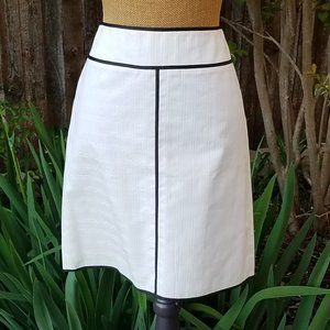 Ann Taylor Petites White with Black Textured Skirt